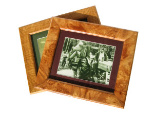 Picture frame-100